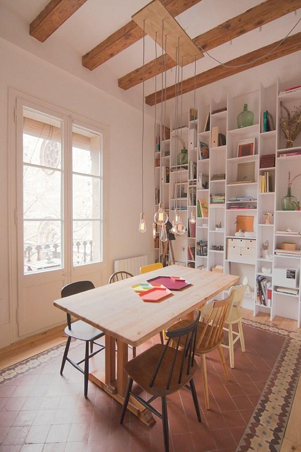 Verbouwing van een karakteristieke appartement uit for Decoracion interiores barcelona