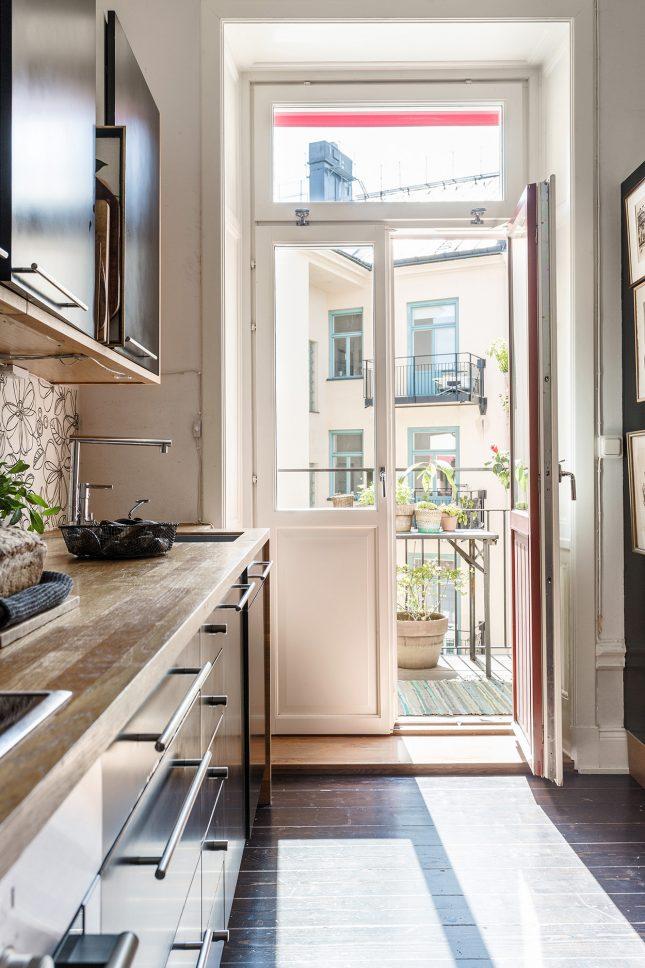 Gezellige woonkeuken in een klein appartement