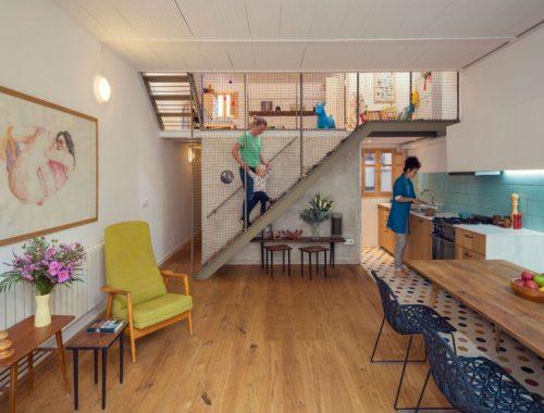 Gezellige woonkeuken met toegang tot kleine stadstuin