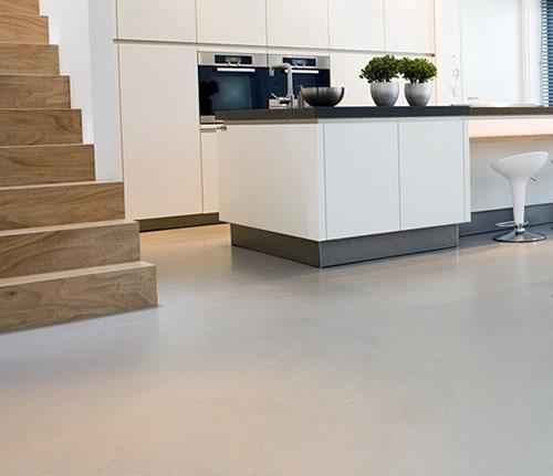 Gietvloer in de keuken   Interieur inrichting