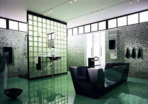 Glazen bouwstenen in badkamer
