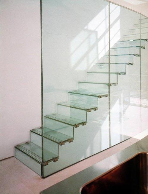 Afbeeldingsresultaat voor afbeeldingen glas trap