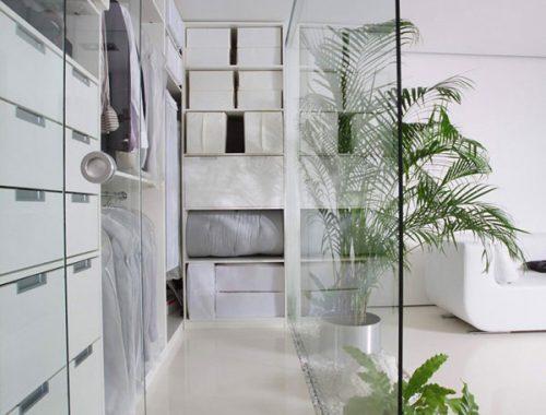 Glazen wand in huis