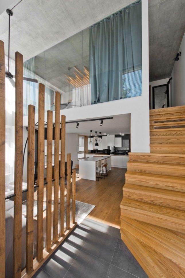 Glazen wand in slaapkamer biedt uitzicht op woonkamer | Interieur ...
