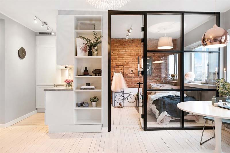 glazen wand zwarte kozijnen slaapkamer woonkamer
