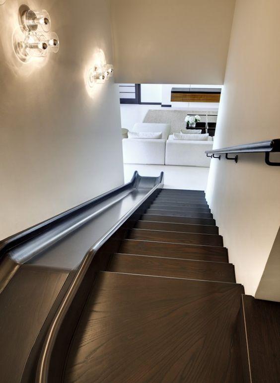 Glijbaan bij de trap