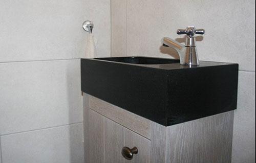 Granieten fonteintje toilet interieur inrichting