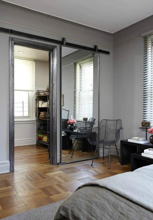 Schuifdeur Slaapkamer : Grijze slaapkamer met schuifdeur interieur ...