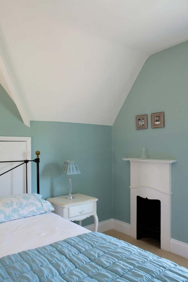 groene muur green blue farrow ball