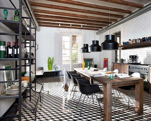 Gezellige Keuken Maken : Grote houten woonkeuken in BarcelonaInterieur inrichting Interieur