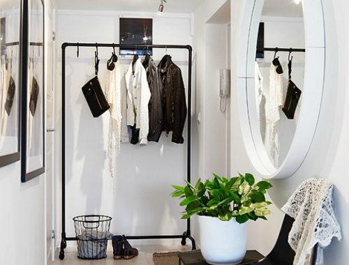 Hal in een klein appartement