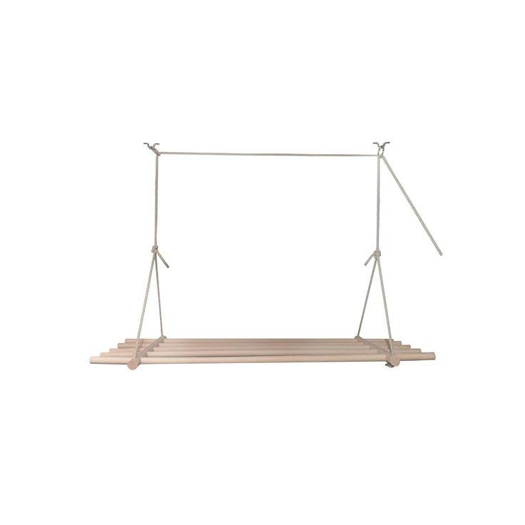 Houten wasrek aan plafond
