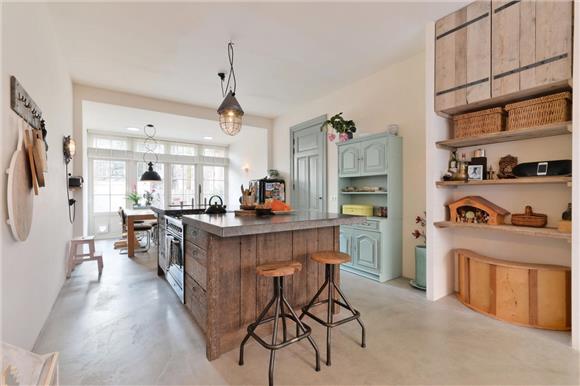 Rustieke Woonkeuken Gietvloer : Handgemaakte rustieke houten keuken interieur inrichting
