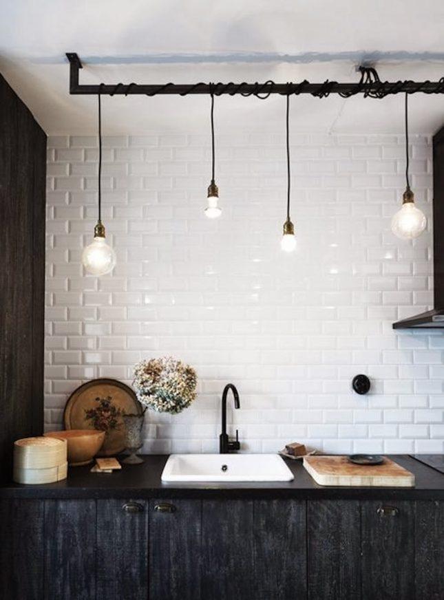 hanglampen aan stang keuken