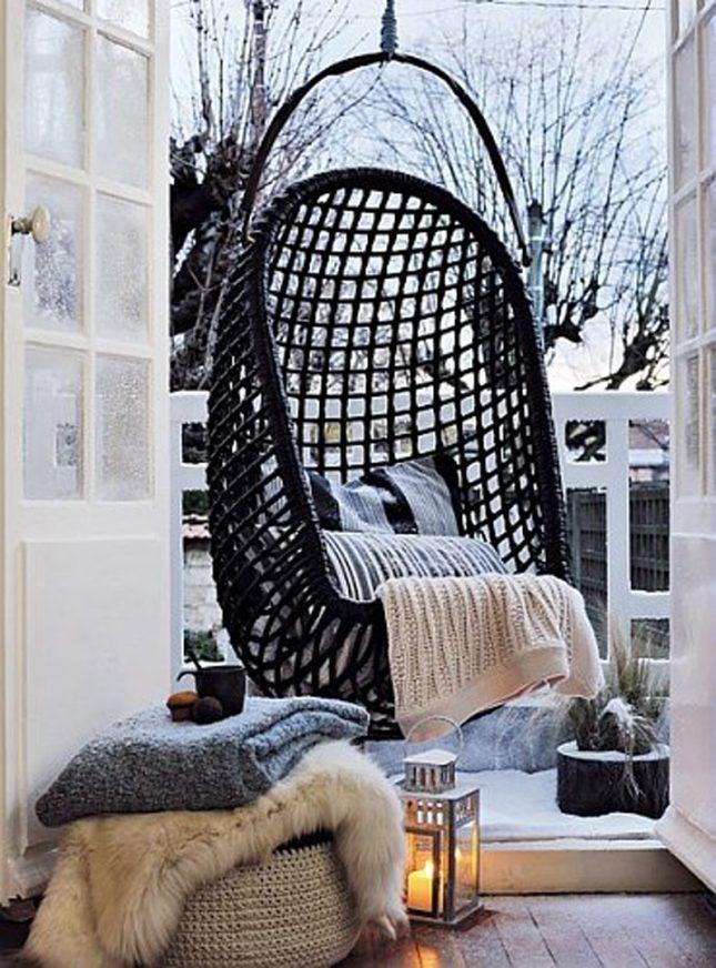 Hangstoel op balkon | Interieur inrichting