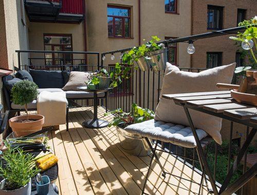 Heerlijk balkon om te zonnen, eten en barbecueën