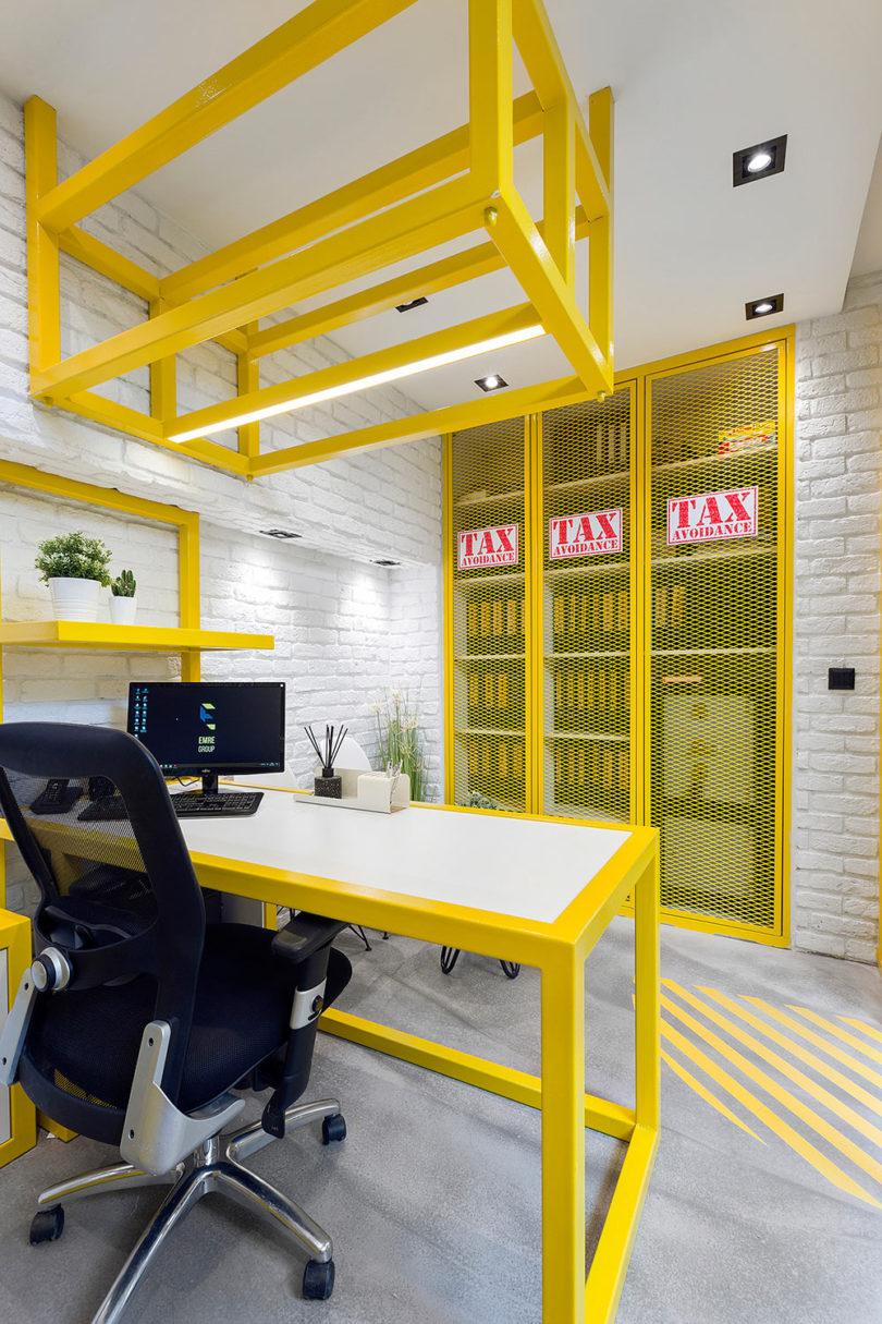Het kantoor van Emre Group is ingericht als een bouwplaats!