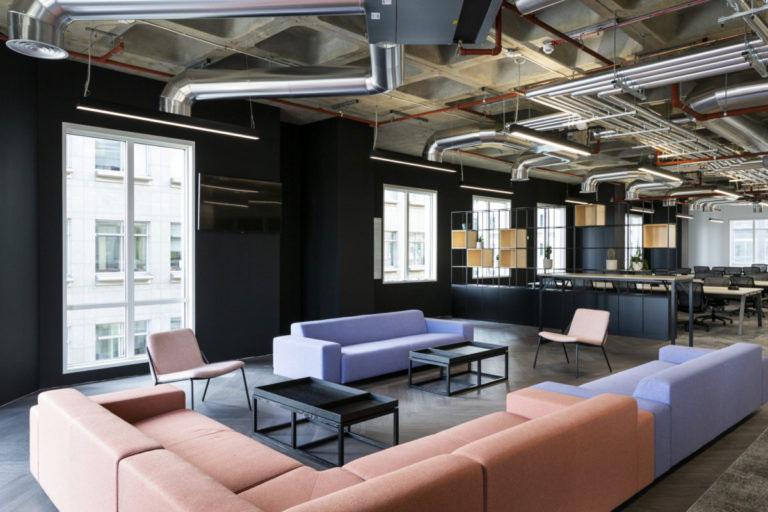Het nieuwe kantoor van Revolut is super stoer geworden!