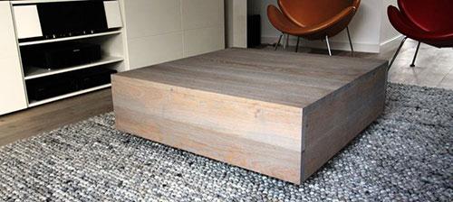 Houten blok als salontafel