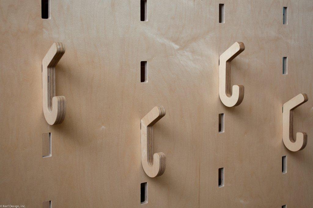 Houten gaatjesboard van Keff wall