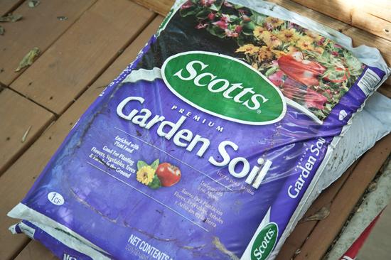 Houten plantenbak maken voor de tuin