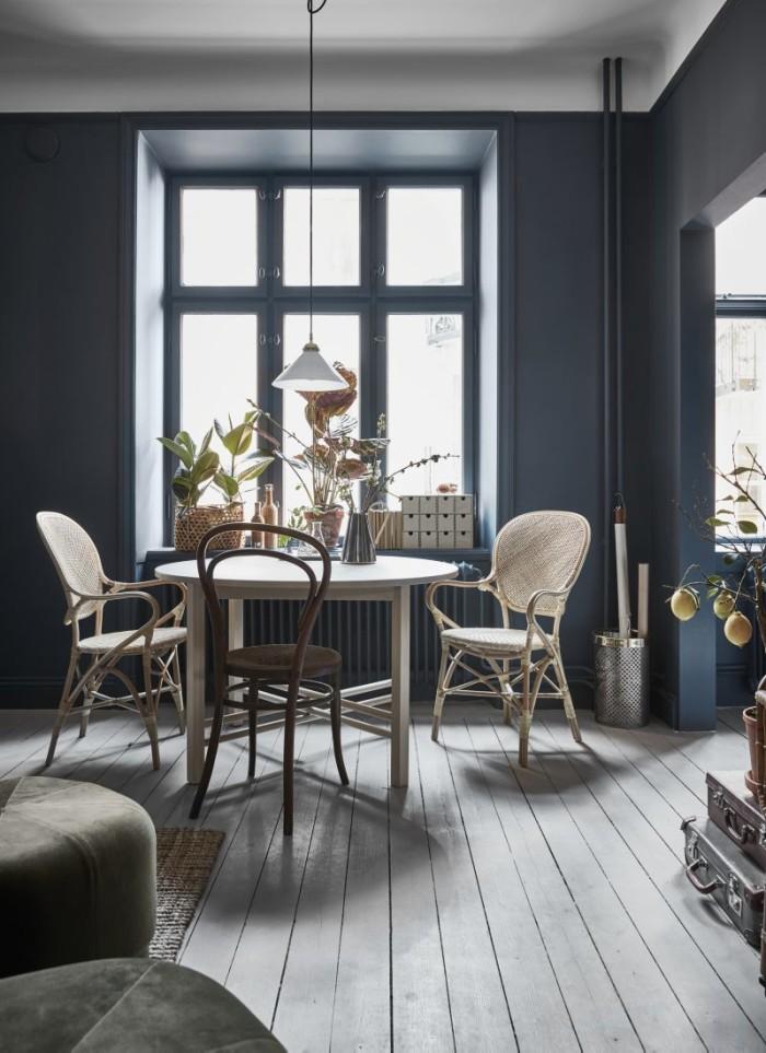 houten-ronde-eettafel-klein-appartement