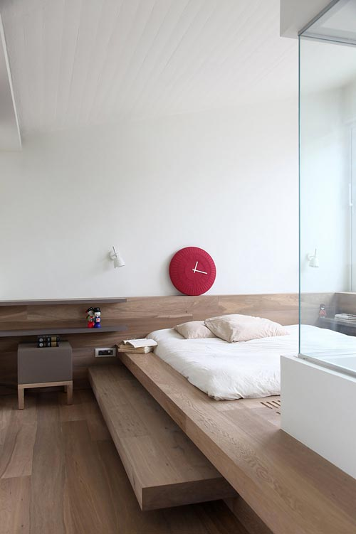 Houten slaapkamer van Lycabettus Penthouse