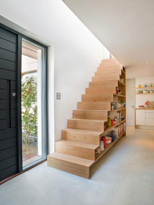 Houten trap interieur inrichting - Moderne houten trap ...