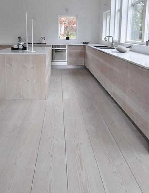 Houten vloer in de keuken  Interieur inrichting