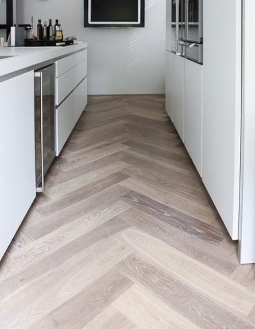 Houten vloer in de keuken