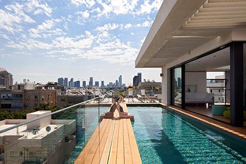 Huizen met zwembad interieur inrichting - Huis design met zwembad ...