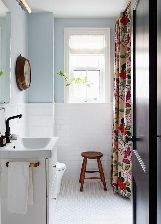 ijsblauw badkamer