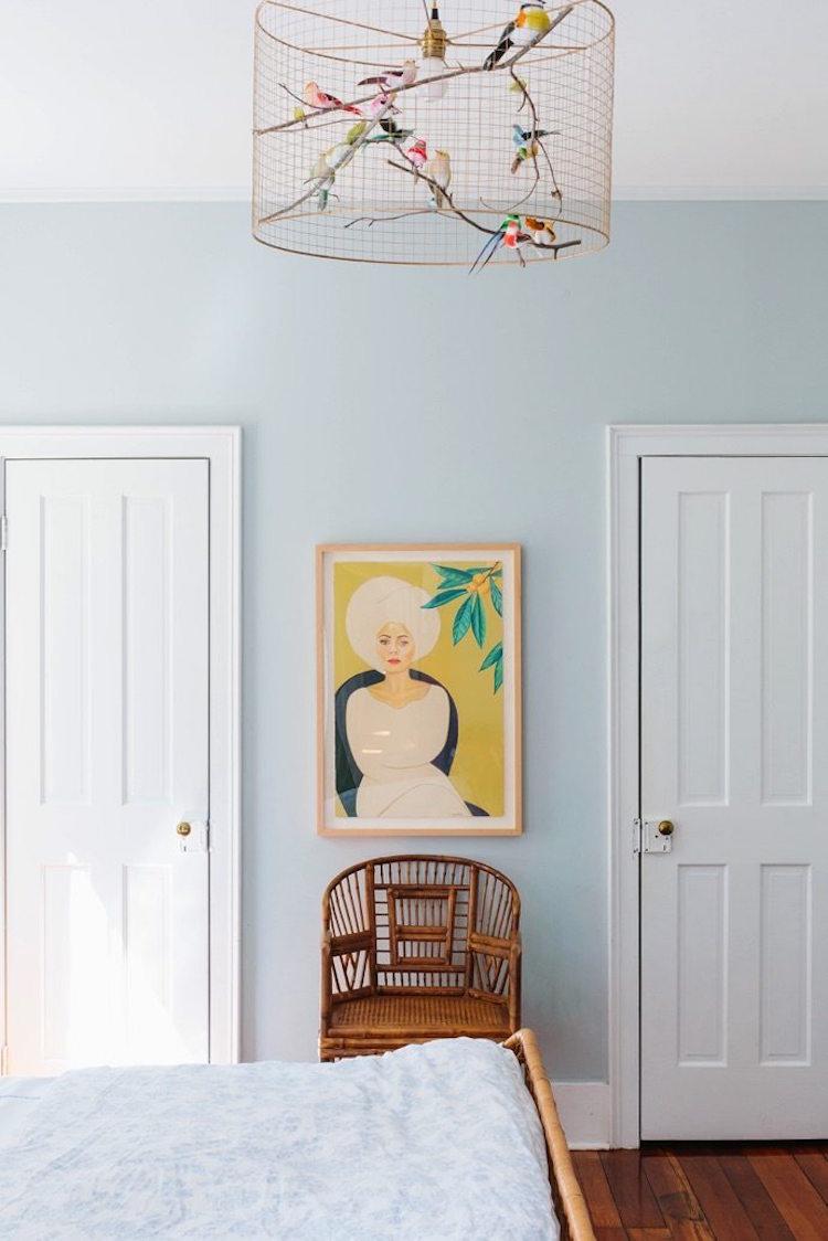 Ijsblauwe muur slaapkamer