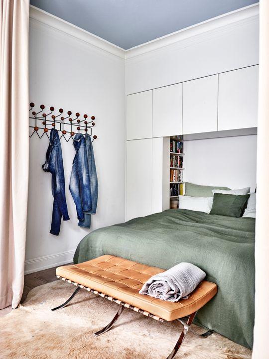 inbouwkast boven bed kleine slaapkamer