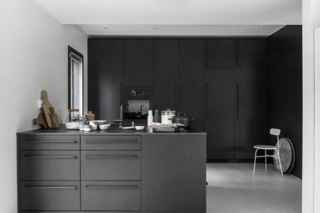 inbouwkoelkast zwarte keuken