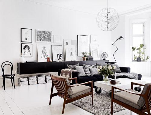 Inrichting van een brede woonkamer