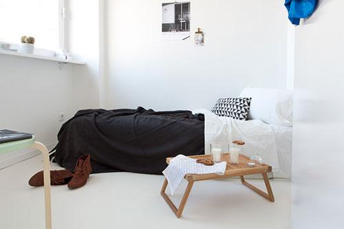 Inrichting van een klein minimalistisch appartement interieur