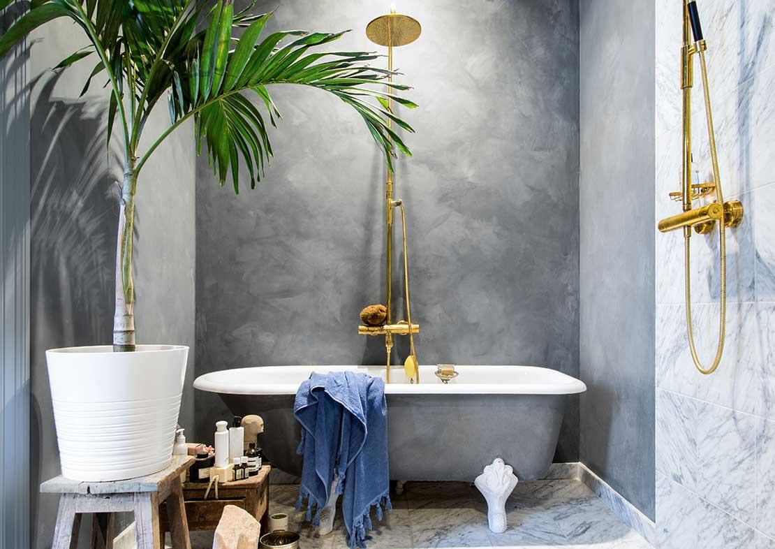 Grijze kalkverf in de badkamer - Pure & Original Fresco Oxford Blue