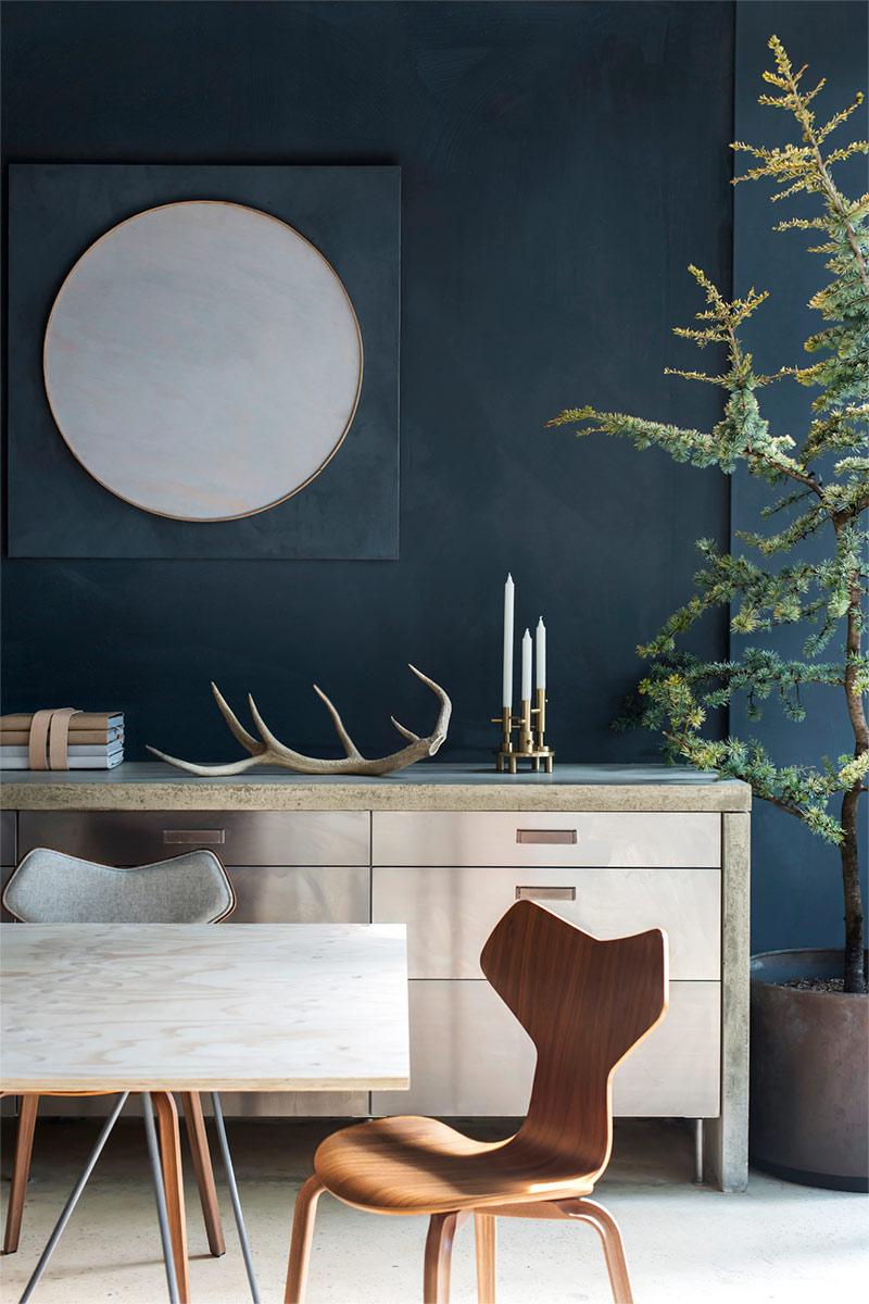 Donkergrijs/blauwe kalkverf muur - Bauwerk Colour Refined raw Mountain