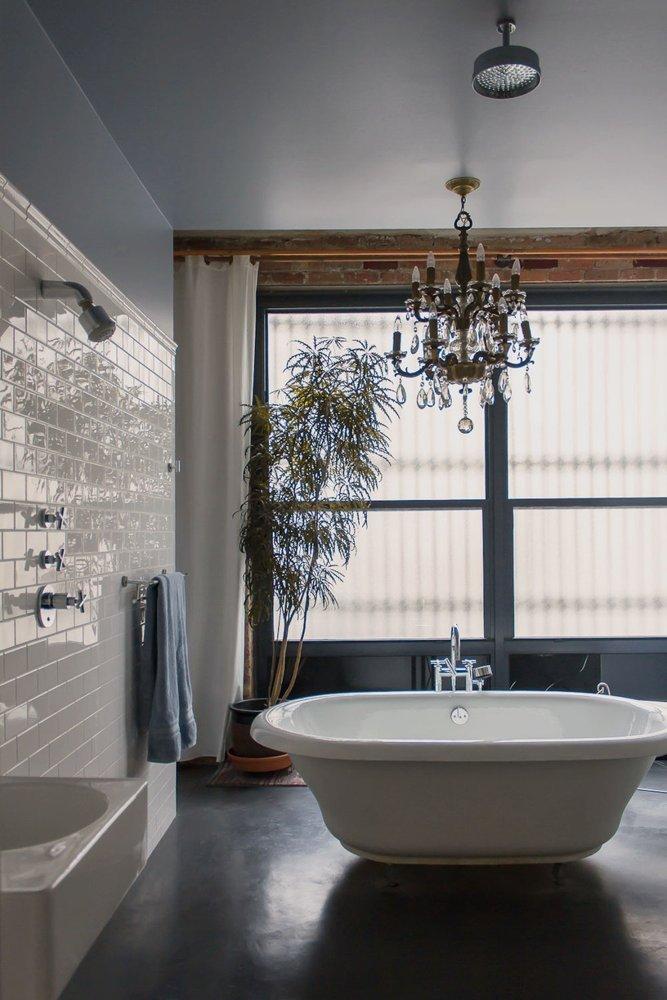 Oude Badkamer Spiegels ~ Gietvloer Woonkamer Kosten  Kant en klare badkamer van anne leo