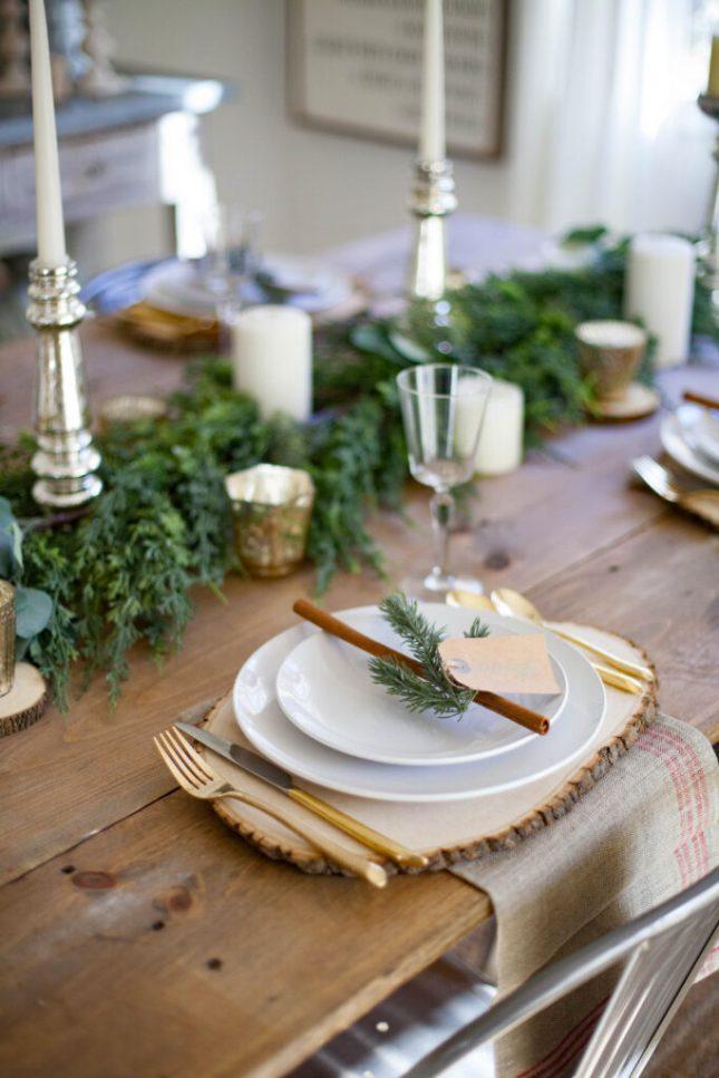 kersttafel dekken ideeën houten placemets