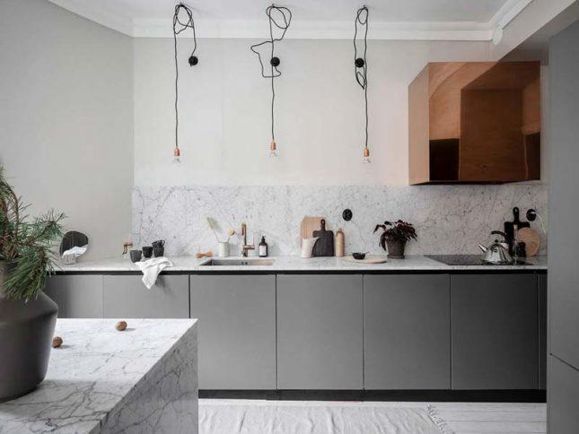 keuken achterwand marmeren tegels