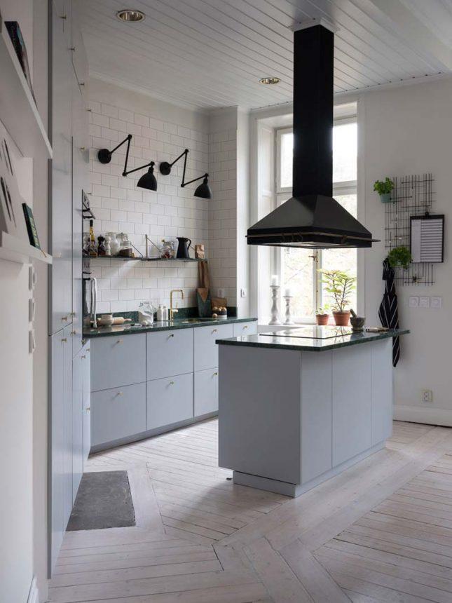 keuken achterwand metrotegels tot plafond