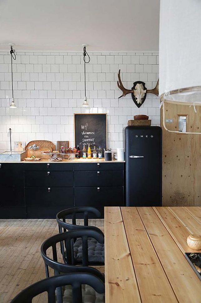 keuken achterwand witte vierkante wandtegels