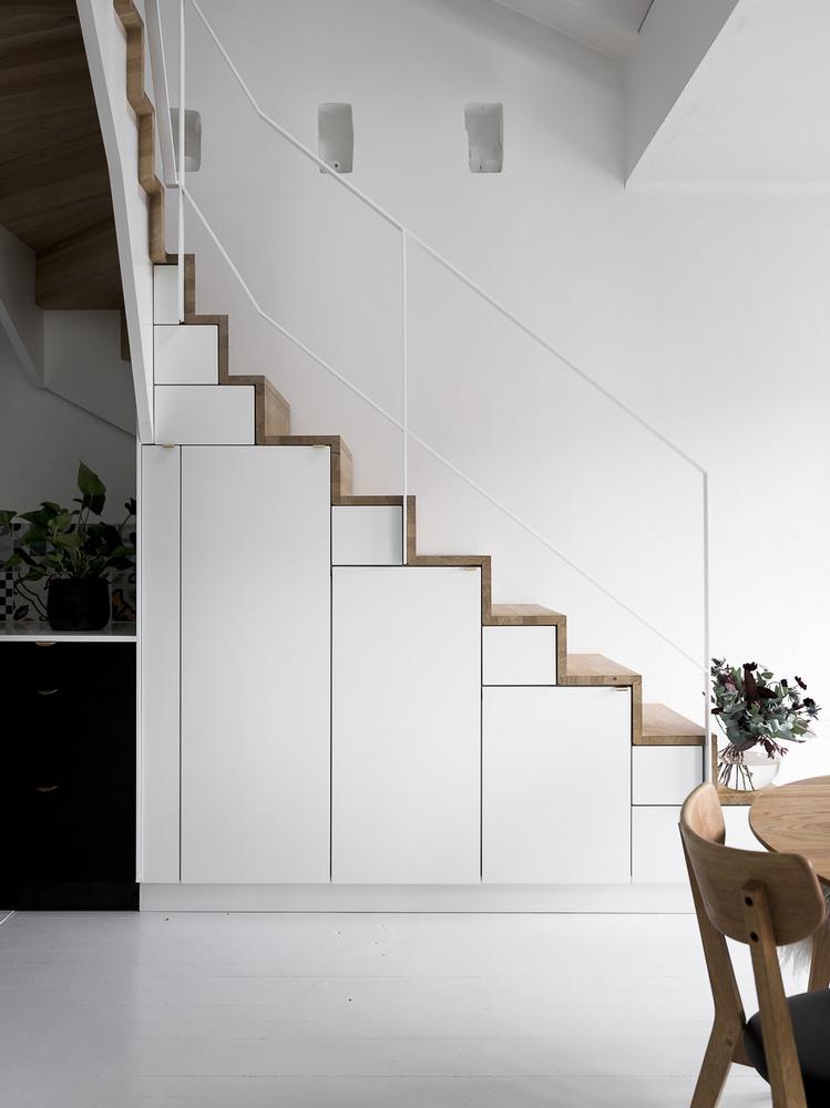 Keuken naast trap