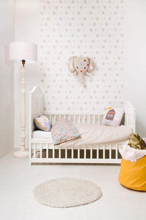 Kinderkamer sterretjes behang