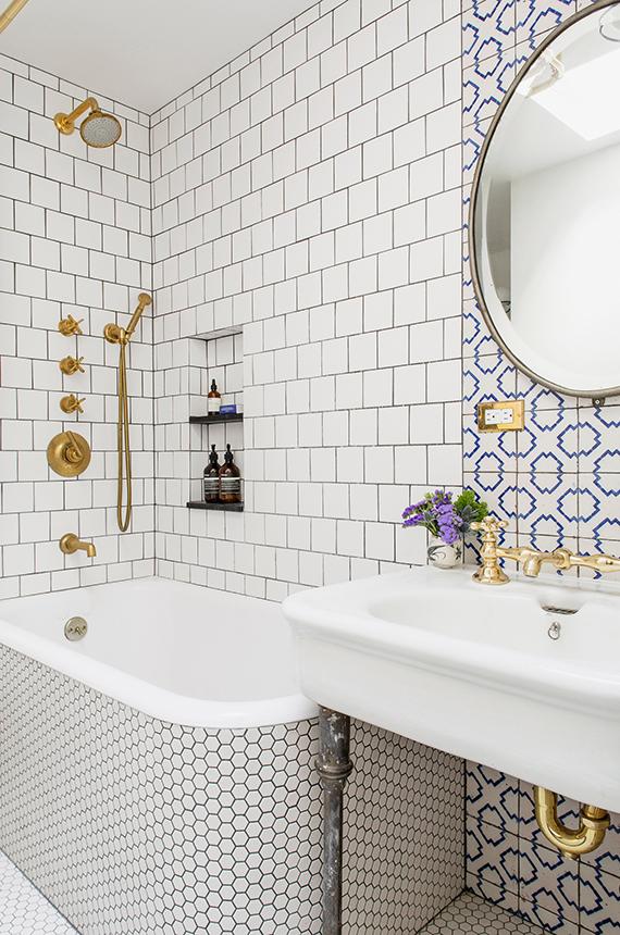 Badkamer Tegels Klassiek : Klassieke badkamer met mooie tegels ...