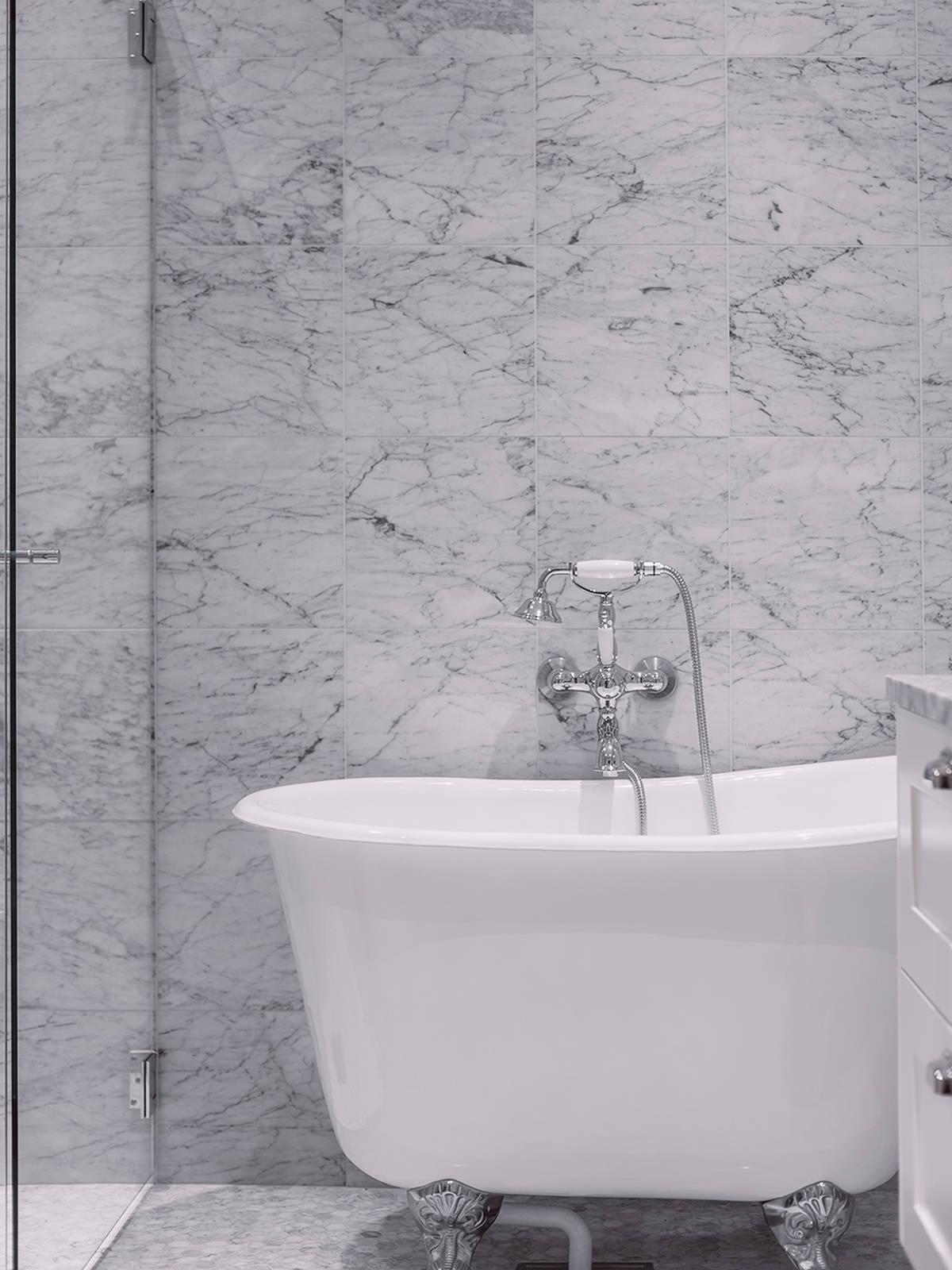 Klassieke marmeren badkamer