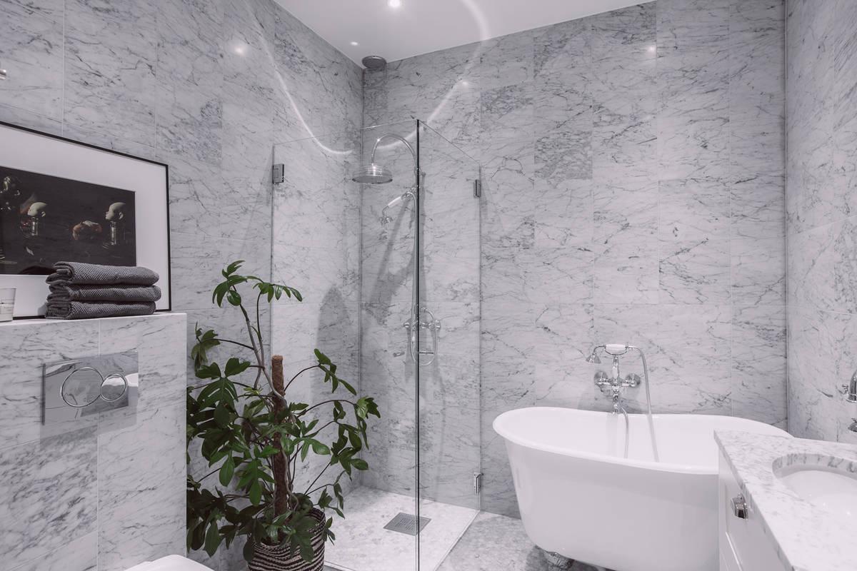 Klassieke marmeren badkamer | Interieur inrichting