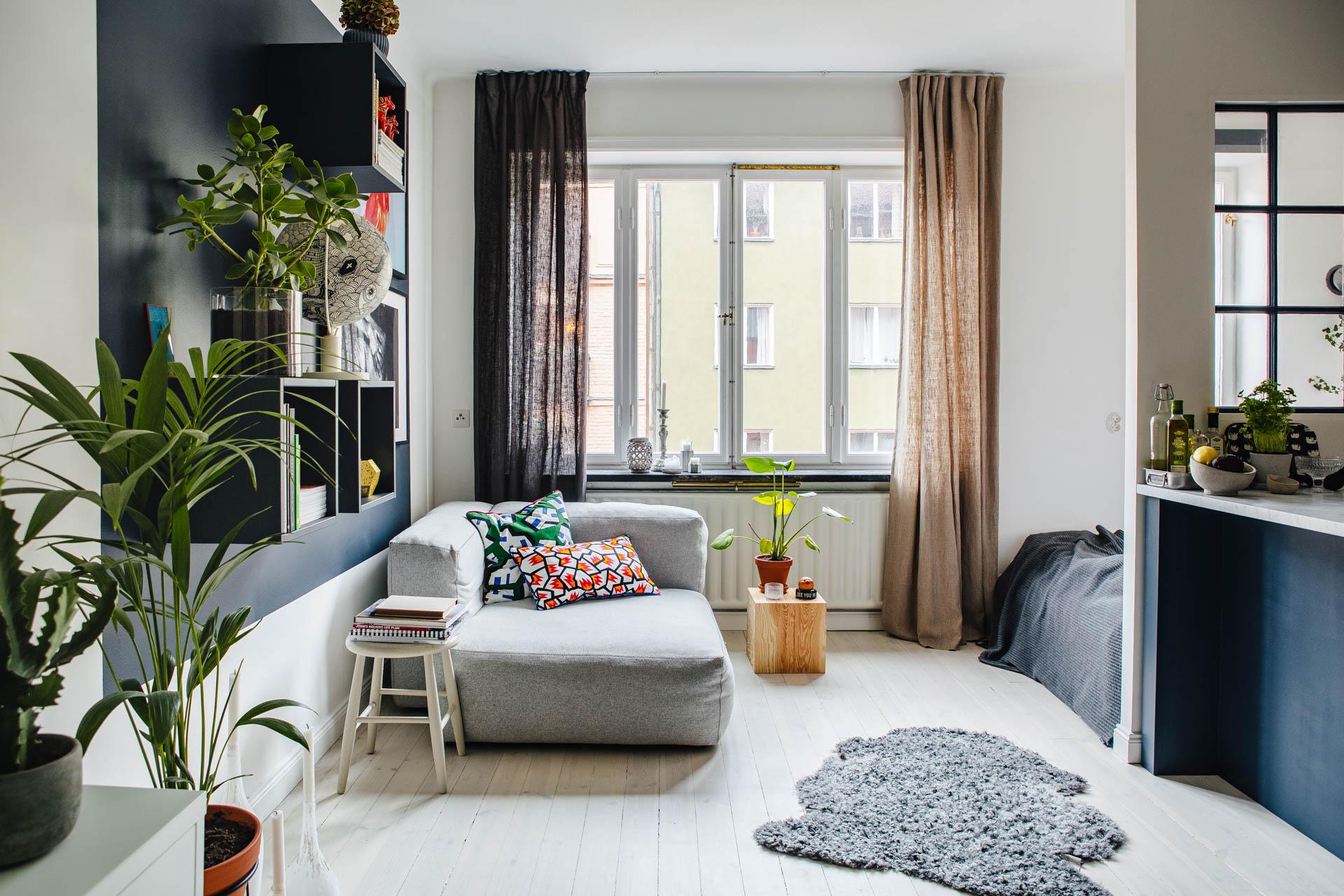 Klein maar super stoer speels en praktisch ingericht for Kleine vierkante woonkamer inrichten